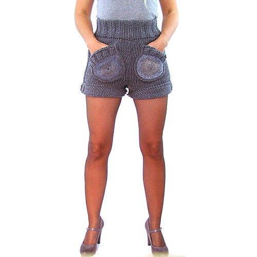 Różne kolory krótkich spodenek z kieszeniami okrągłymi - Dla kobiet - Ubrania
