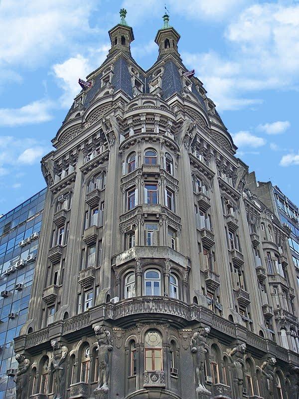 hermosos edificio de Avenida Belgrano y Peru. Buenos Aires. Argentina