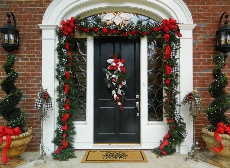 Decorazioni natalizie da esterno: gli addobbi giusti per condividere l'incanto del Natale [FOTO] | PourFemme Tempo Libero