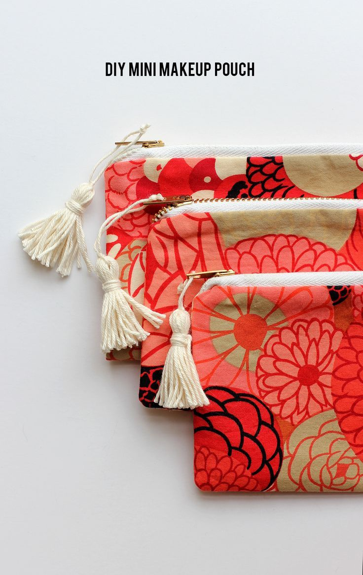 DIY mini makeup pouch – perfect zipper beginner sewing project.