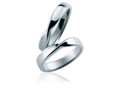 おしゃれな指輪。メビウスの輪の参考に。