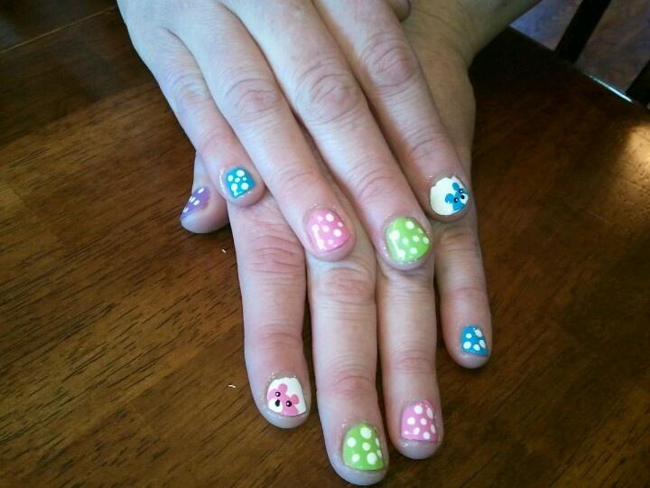 teddy bear nail design