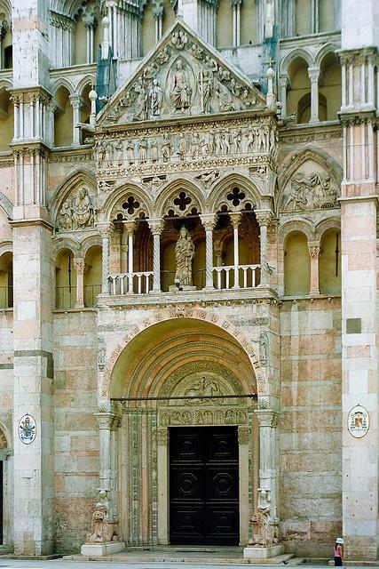 Italy - Ferrara: Basilica Cattedrale di San Giorgio or 'il Duomo' (photo by netNicholls) dating from the 12th century