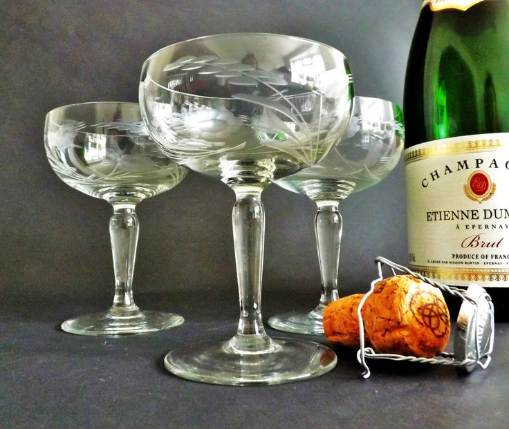 3 Crystal Champagne Gles Etched Coupe Wedding Toast Vintage Stemware Tail