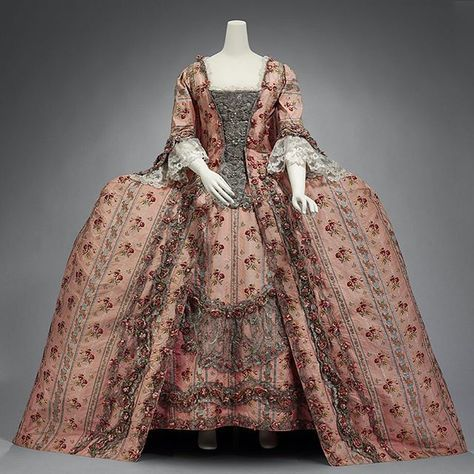 Robe à la Française, France, ca. 1770. Museum of Fine Arts Boston
