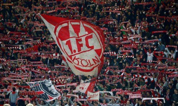 Cologne didenda RM295470 susulan kekacauan di Emirates   NYON Switzerland: Cologne diarah membayar Arsenal 60000 euro (RM295470) oleh Kesatuan Bola Sepak Eropah (UEFA) sebagai pampasan bagi memperbaiki kerosakan yang dilakukan penyokong kelab itu ketika perlawanan Liga Europa bulan lalu.  Selain denda yang dicetuskan ketika pertembungan di Emirates itu badan induk itu juga mengenakan larangan perjalanan satu perlawanan kepada peminat kelab dari Jerman itu.  Sekatan berkenaan diumumkan…