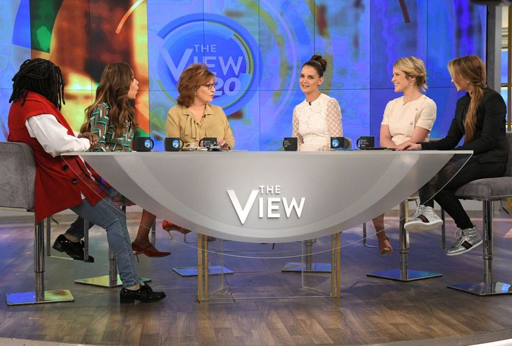 #KatieHolmes, #NewYork, #TV Katie Holmes Appeared on 'The View' TV Show in New York – 03/29/2017 | Celebrity Uncensored! Read more: http://celxxx.com/2017/03/katie-holmes-appeared-on-the-view-tv-show-in-new-york-03292017/