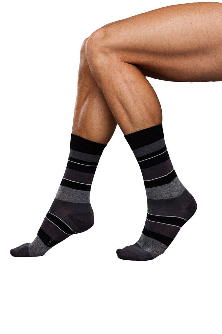 J.Press férfi csíkos zokni, eltérő sávokkal [N° D149] Ár: 870Ft