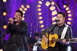 Bruno e Marrone serão homenageados no Domingo Show