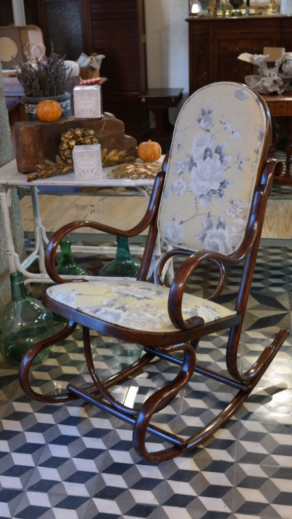 Mecedora restaurada y tapizada con lino de annie sloan for Mecedora terraza