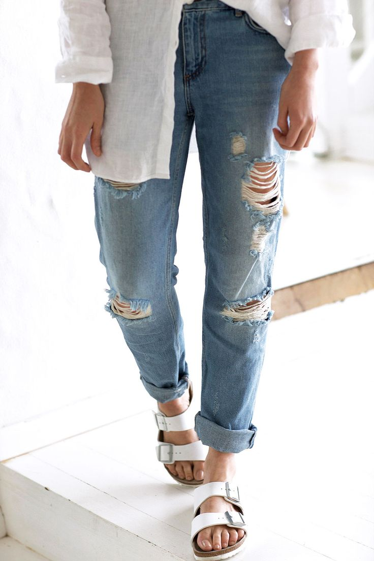 Ripped denim boyfriend jeans and Birkenstocks #chroniclesofher #carmenhamilton