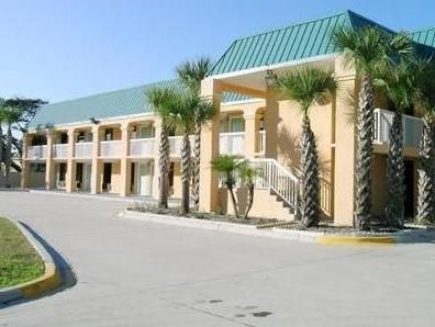 St. Augustine (FL) Regency Inn & Suites - Saint Augustine United States, North America Located in St Augustine Beach, Regency Inn & Suites - Saint Augustine is a perfect starting point from which to explore St. Augustine (FL). The hotel has everything you need for a comfortable stay. Service-minded staff will welcome and guide you at the Regency Inn & Suites - Saint Augustine. Some of the well-appointed guestrooms feature air conditioning, heating, wake-up service, desk, alarm...