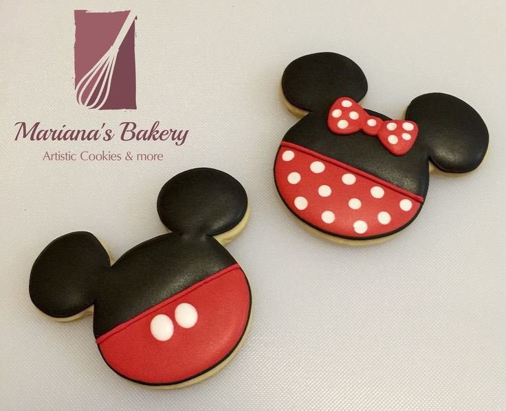 Mickey & Minnie Mouse cookies (40 mini-cookies) de MarianasBakery en Etsy https://www.etsy.com/es/listing/264945683/mickey-minnie-mouse-cookies-40-mini                                                                                                                                                                                 Más