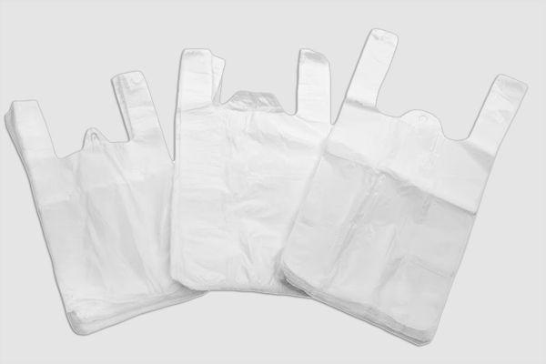 #Hemdschentaschen   17 x 32 cm  - Standarstärke 6 μm - Material: hochwertige Folie HDPE od. LDPE -  je 100 Stk. oder 200 Stk. abgepackt - Reißpunkt liegt bei ca. 1 kg Gewicht - Farbe: weiß   #Plastiktragetaschen #ShpopperBaggs #Versand #Verpackungsmaterial #Netz #Tüte