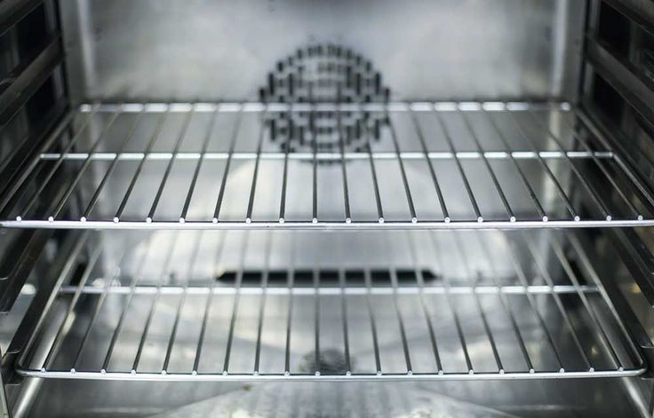 '80 per cent' of people will want to clean their oven racks after watching this.