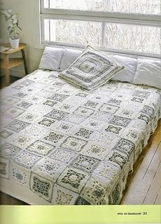 'White Bed' - pretty, tranquil colors. Diagram of crochet square motif bedspread throw (En espanol)