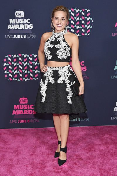 Mary Sarah - Best Dressed at the 2016 CMT Music Awards - Photos
