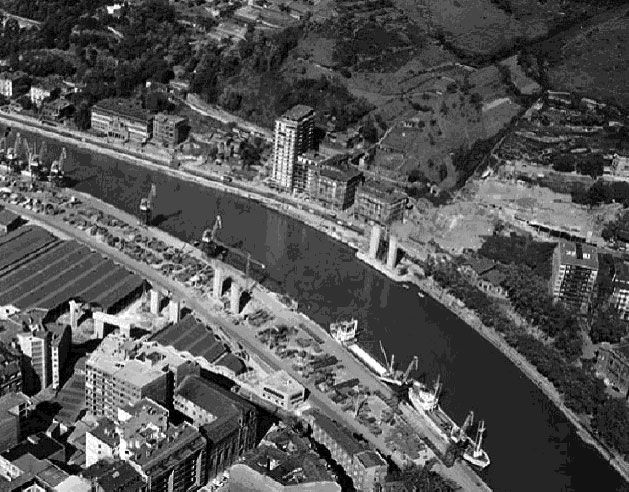 Bilbao 1.967. Construction of La Salve Bridge.