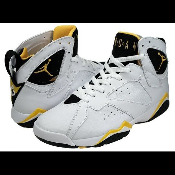 I have these size Black white and yellow. Only worn a had full of times.  Lower on pp and mercari Jordan Shoes