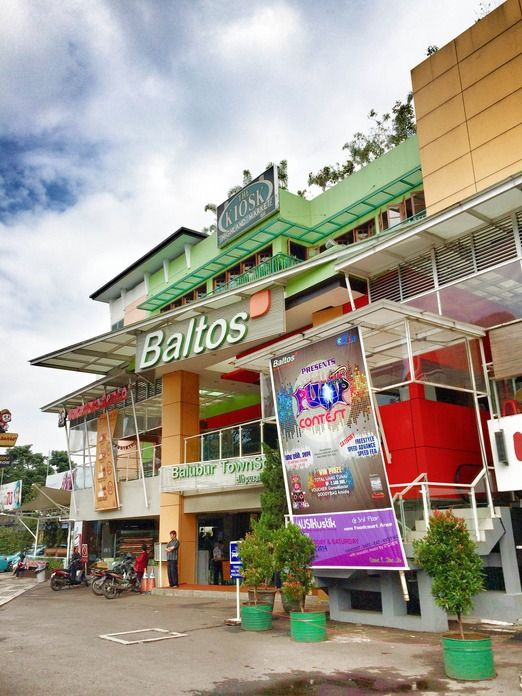 Baltos: While many might prefer Pasar Baru in central Bandung, Balubur Town Square (Baltos) on Jl. Taman Sari, Kebon Bib...
