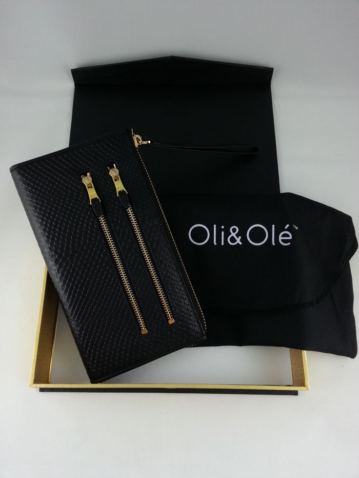 The gorgeous but practical Oli & Ole black wallet.  Comes beautifully boxed with it's own dust bag and each are individually made.
