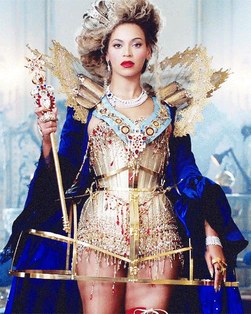 When she declared the Mrs. Carter Show World Tour and also declared that she is queen of this earth. | 50 Times Beyoncé Ran The World In 2013