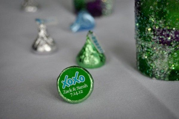 Personalize Hershey's Kiss favors with DIY stickers | Offbeat Bride: Kiss Favors, Kiss Stickers, Hershey'S Kisses, Candy Favors, Offbeat Bride, Hershey Kisses, Edible Favors, Diy Stickers, Personalized Stickers