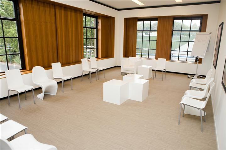 Meeting Area   Taets