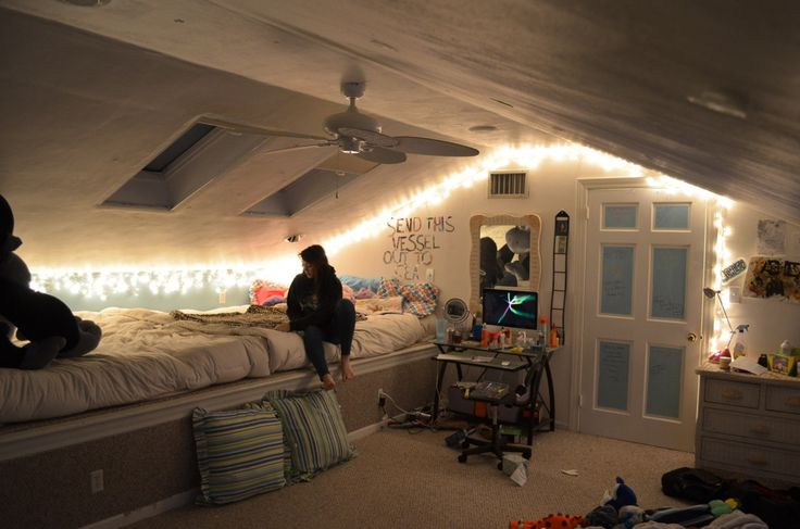 Love this diy bedroom so so much home decor ideas for Teenage girl attic bedroom ideas