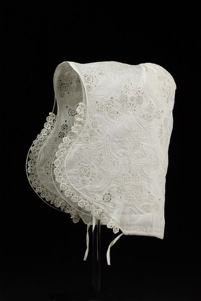 1600-1625, England - Coif - Linen, embroidered with linen thread and edged with bobbin lace