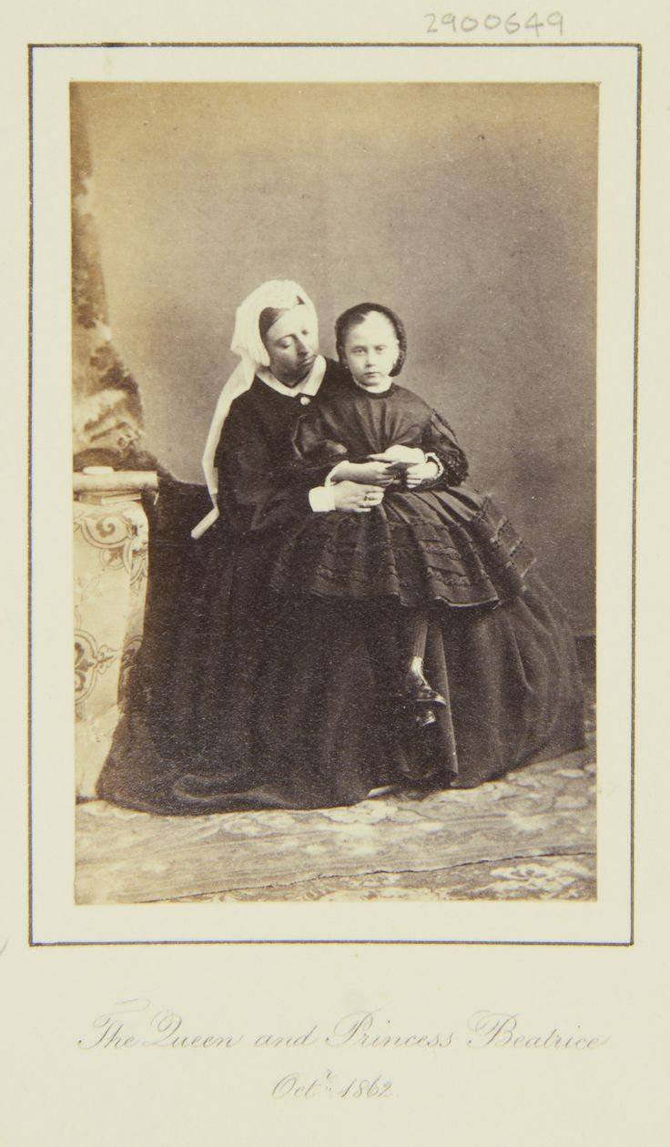 Queen Victoria and Princess Beatrice, October 1862 [in Portraits of Royal Children Vol.6 1862-1863] | Royal Collection Trust