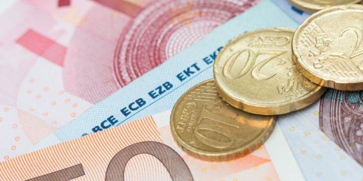 Les collectionneurs sont capables de débourser 59 euros pour un billet de 5 euros, 90 euros pour un billet de 10 euros ou même 1000 euros une grosse coupure de 500 euros.