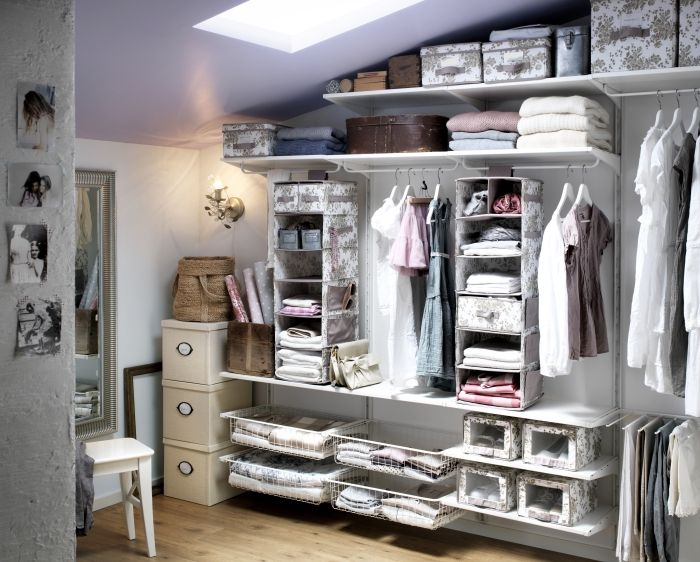 For a closet that's beautifully organized, maximize your space with the ALGOT storage system and GARNITYR clothes boxes.