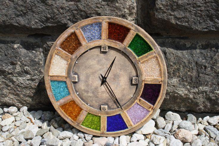 Hodiny+Mind+Keramické+hodiny+-+průměr+34,5cm.+Materiál+šamot,sklo+a+glazura.+Hodinový+strojek+Quartz+tužková+baterie.