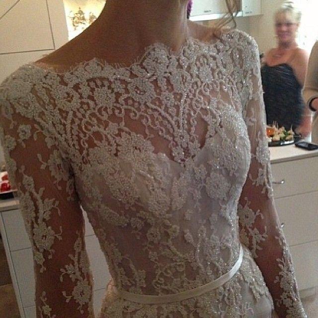 Wedding dress lace & embroidery details (Instagram: @steven_khalil)