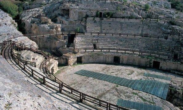 Anfiteatro romano, grandioso monumento cagliaritano del II secolo.