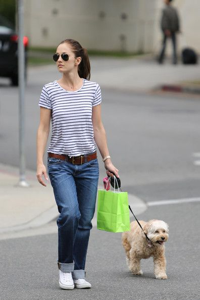Minka Kelly - Minka Kelly Walks Her Dog in Beverly Hills