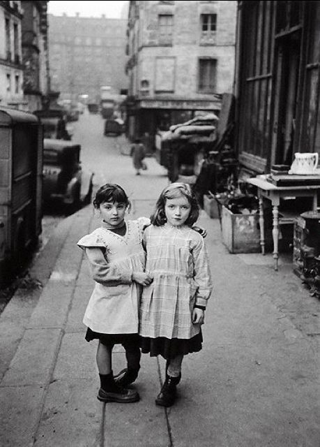 The Two Friends - Paris, Maubert, 1952