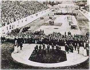 1896: The opening ceremony in the Panathinaiko Stadium