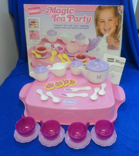 I loved my magic tea party! It was at nanny and papas too, the dishes and food changed colors with water, it was cool
