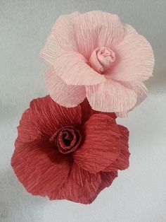 Learn how to make this easy rose flower using crepe paper streamers. You can get these streamers at the dollar stores or craft stores. They are very inexpensive. The instructions are simple and you only need a few supplies to get started.    Materials   crepe paper streamers soft wire scissors glue