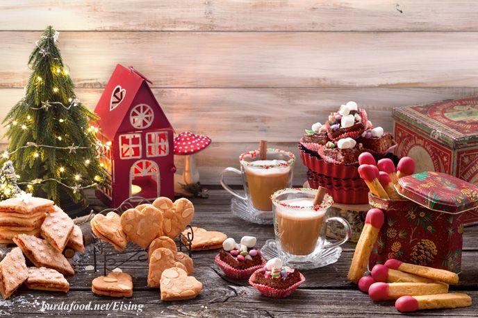 Habt Ihr auch Lust aufs Plätzchenbacken? – Hier schon mal ein kleiner Vorgeschmack aus unserer Weihnachtsbackstube. Rezept Spekulatius-Herzen Für ca. 60 Stück Bitte beachten: Teig muss 3 Stunden kühlen. Zutaten 200 g weiche Butter 400 g Zucker 2 Eier (Größe M) 500 g Mehl Mehl zum Arbeiten 3 TL Backpulver …