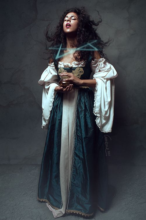 Renaissance gown handmade by me Photo by Cunene