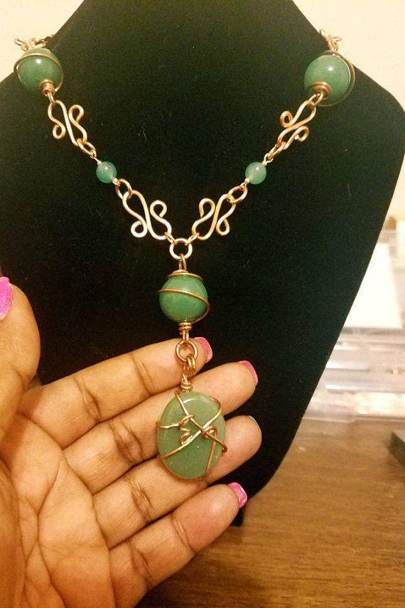 Collar de aventurina verde y cobre hecho a mano hermoso