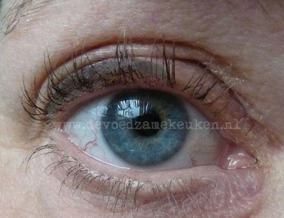 Natuurlijke mascara en eyeliner om zelf te maken - Powered by @ultimaterecipe