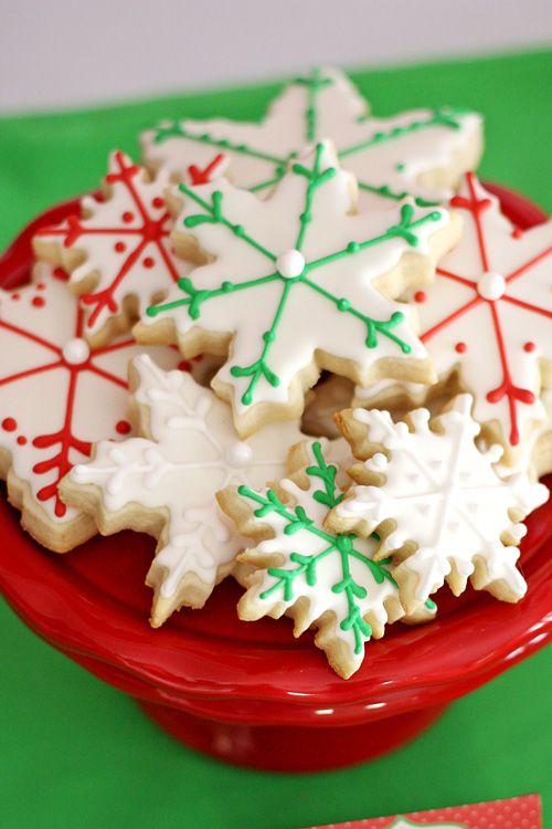 Gorgeous Snowflake Cookies!! - glorioustreats.com