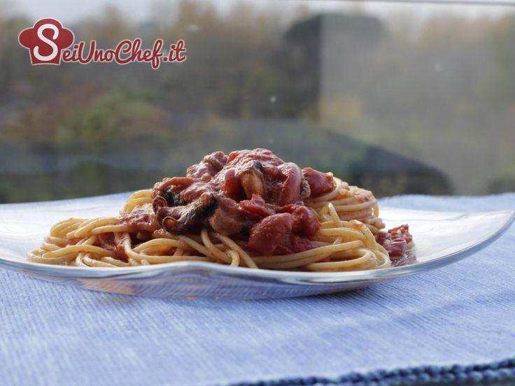 Spaghetti al sugo con moscardini