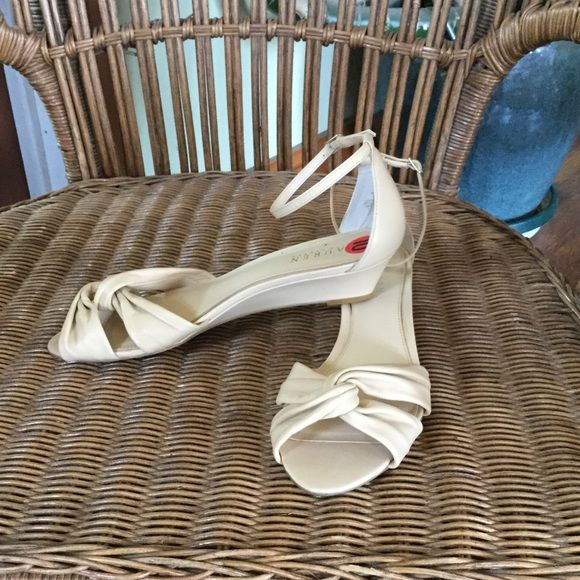 Ralph Luaren kitten heels Worn once, great heels Ralph Lauren Shoes Heels