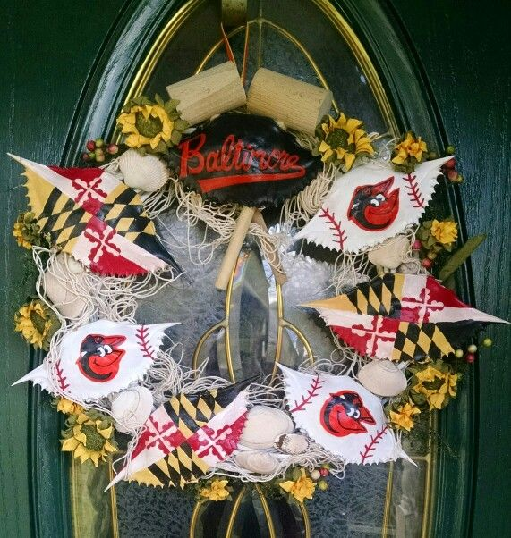 MD Crab Shell Wreath made by Camilla Smallwood