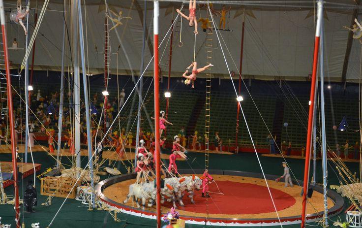 Ringling Circus Museum - The 44,000-piece Howard Bros. Circus Model